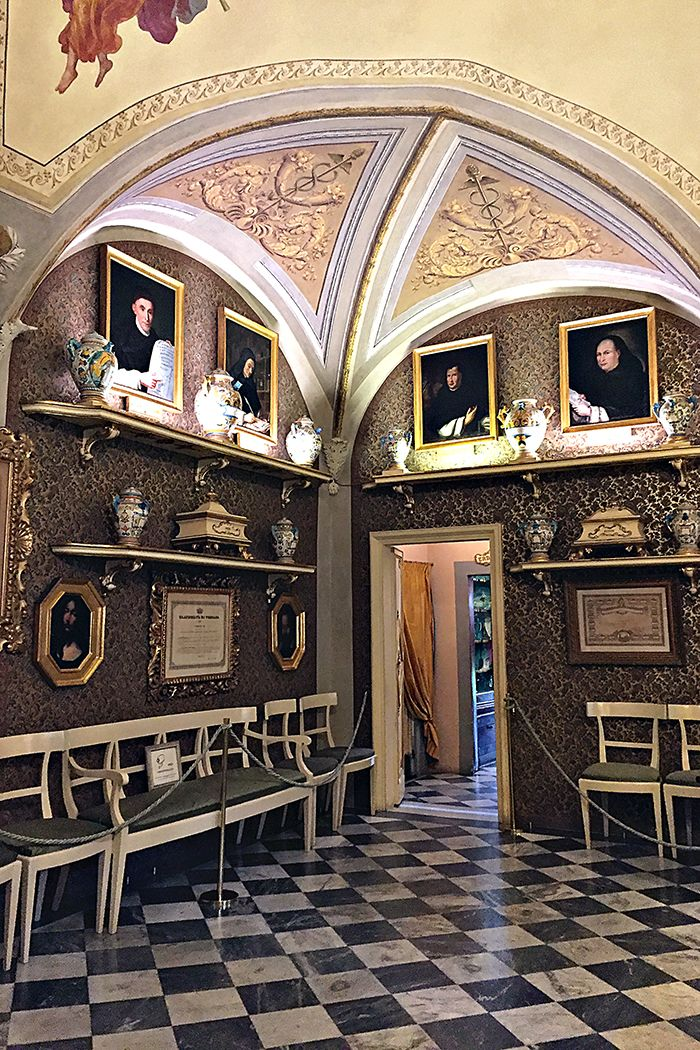 The History of Pharmacy in Florence