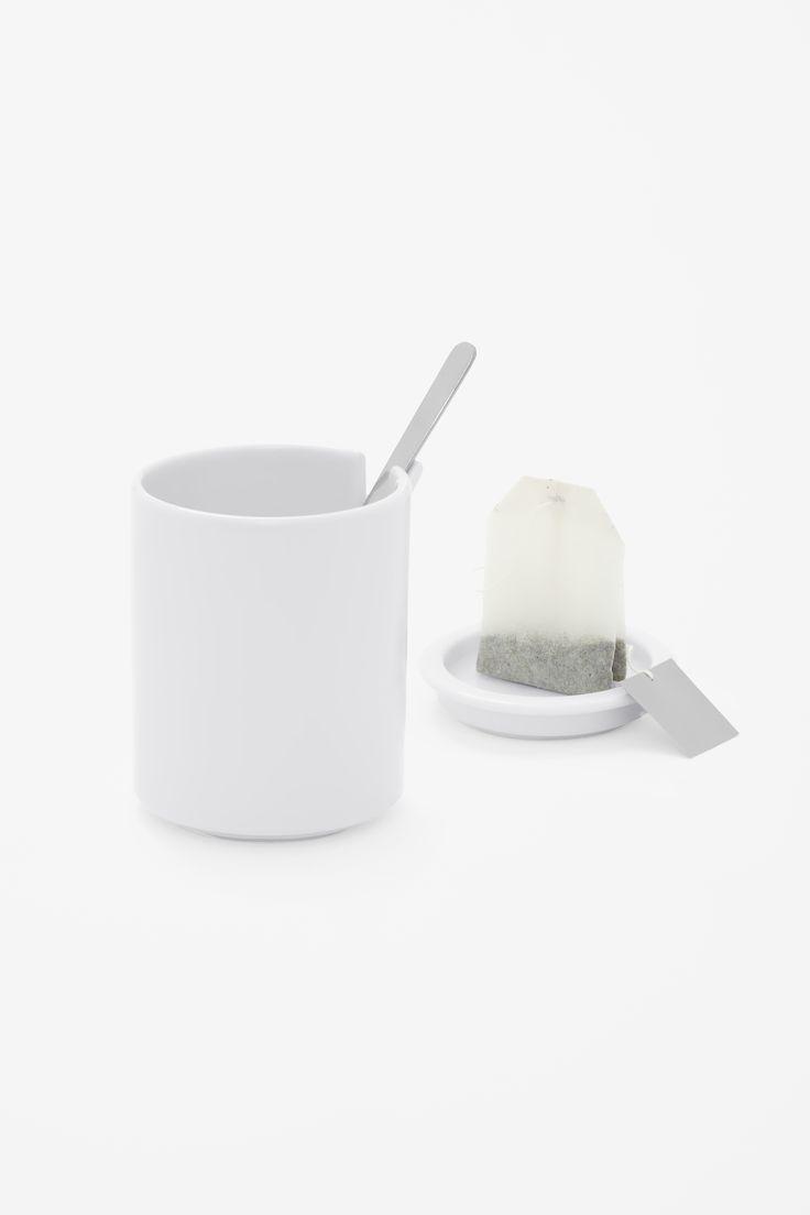 Peel mug by nendo | COS