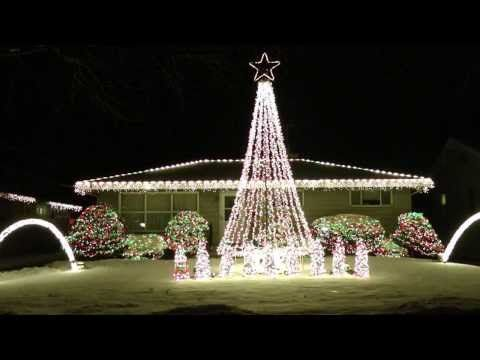 2013 Amazing Christmas Lights Synced To Music Trans Siberian Orchestra  (Sarajevo 12/24