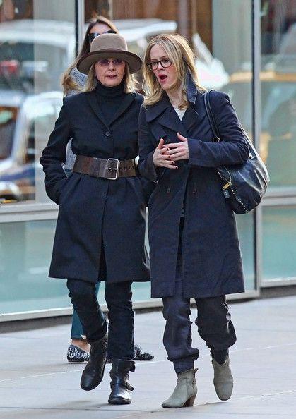 Diane Keaton - Diane Keaton and Frind Out in SoHo