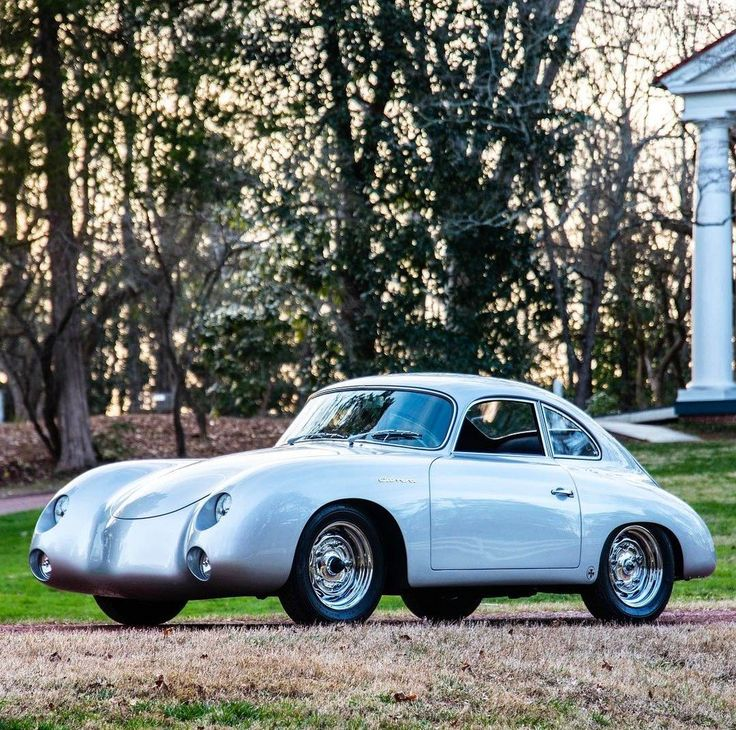 Dean Jeffries incredible 1956 Porsche 356A GS 4-cam 'Kustom Karrera' that pioneered Porsche Outlaw culture is now a https://t.co/yXTv0VUKRs www.carligious.com
