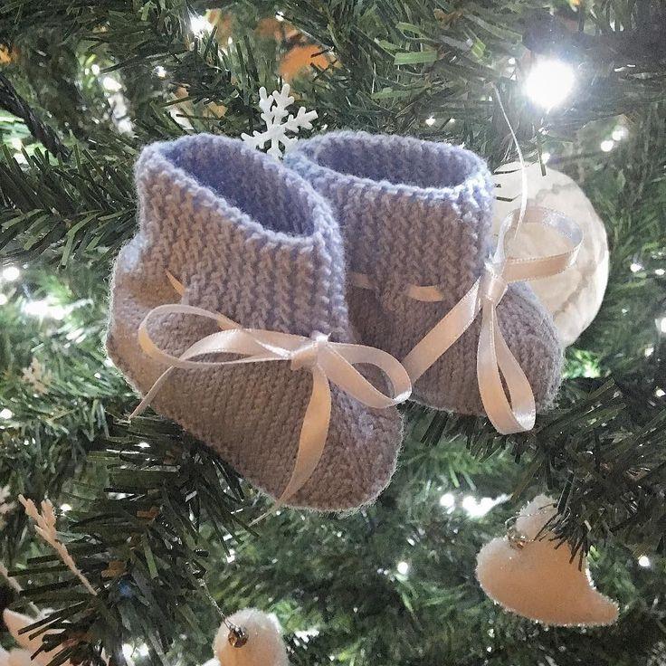 Il nostro grande regalo di Natale #buonefeste #auguri #addobbinatalizi #newyear #alberodinatale #christmastree #scarpine #baby
