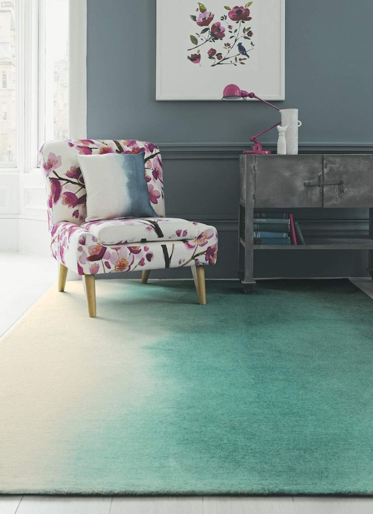 This Paintbox 18207 carpet is made in the Netherlands by BLUEBELLGRAY. Buy ONLINE or in our SHOP in Willebroek, with FREE delivery and return guarantee.