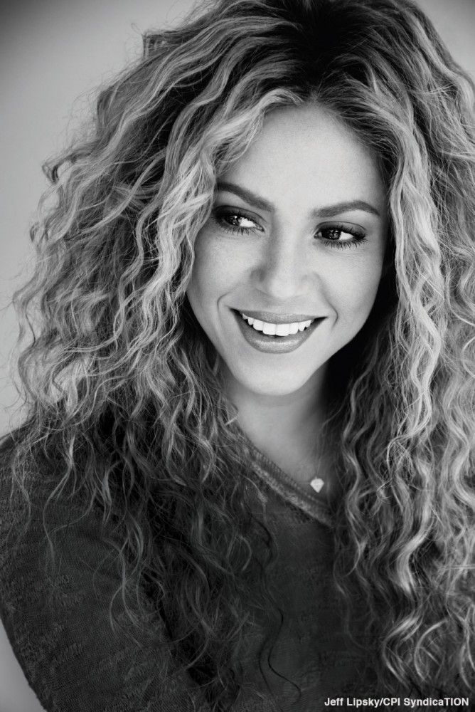 In the Sept Marie Claire issue (on US newsstands today), #Shakira discusses how we can all help change the world!