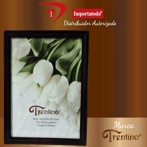 Portaretrato de Madera marca TRENTINO. Modelo PR-310 A para fotos tamaño Diploma.