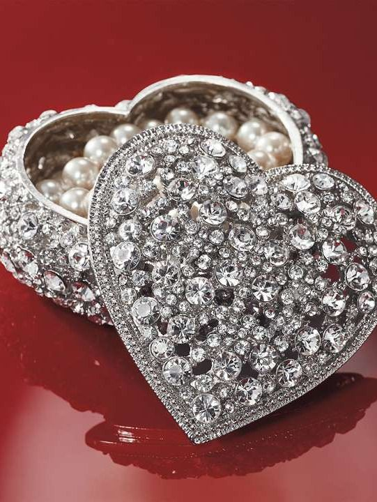 This exceptional Olivia Riegel Crystal Heart Box makes a wonderful gift for Valentine's Day.: Decor Boxes, Crystals Heart, Valentine Day, Pretty Things, Crystalsglitterand Bling, Swarovski Crystals, Boxes Frames, Heart Boxes, Bling Bling