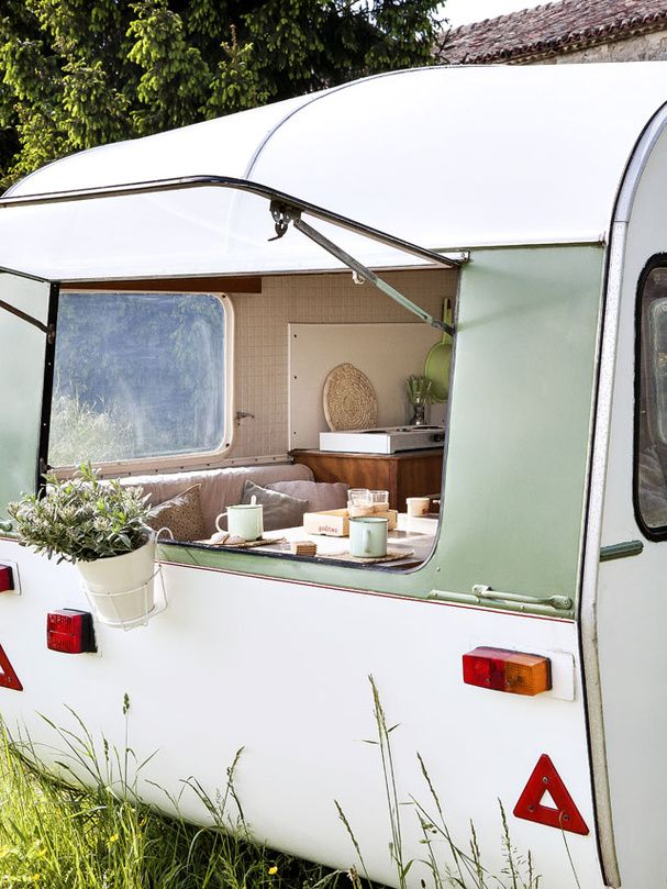 Best 25 Caravan Ideas On Pinterest Caravan Van Camper Van And Camper Conversion