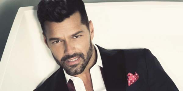 Ricky Martin incendia Sanremo 2017 con un medley dei suoi successi – video esibizione