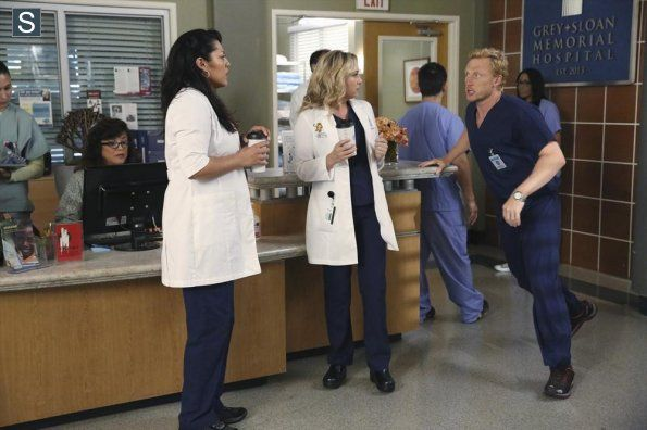 Grey's Anatomy   Season 11   Promotional Episode Photos   Episode 11.01 - I Must Have Lost It On the Wind