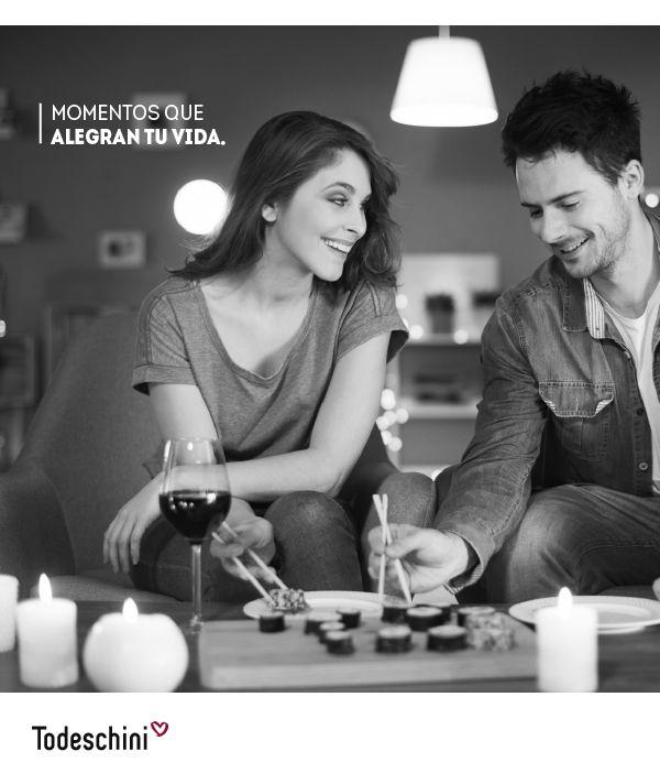 Cada día es especial, y si compartes cada intante en la casa de tus sueños, es aún mejor. Todeschini, el corazón del hogar.  #Diseñodeinteriores #Decoración #Todeschini #ambientes #mueblesamedida #arquitectura #colombia #renovation #interiordesign  #residentialarchitecture #renovacion