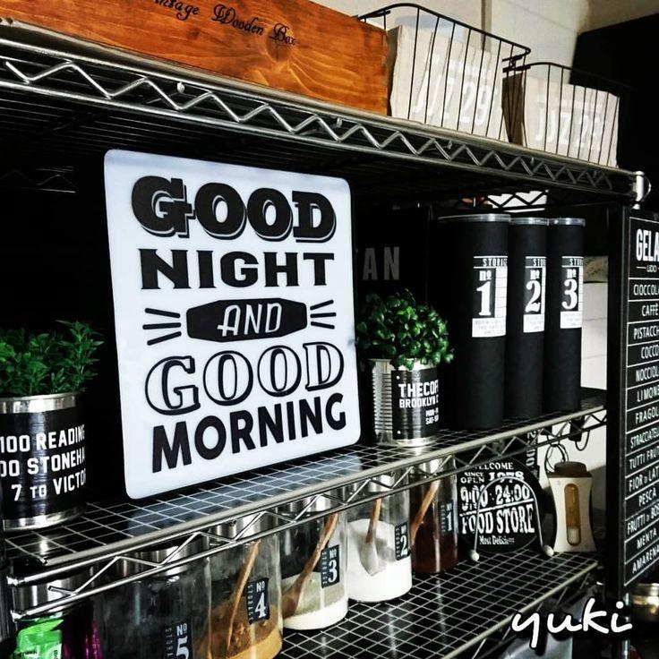 ポテチ缶をリメイクした中には ストローや割り箸いれてます♪ nikoandのライトお気に入り^_-☆ #ポテチ缶リメイク #割り箸収納 #ストロー収納 #nikoand #led #デザインライト #IKEA #メニューボード #アイリスオーヤマ #メタルラック #タイルブラック #リメイクシート #男前インテリア #セリア #ダイソー