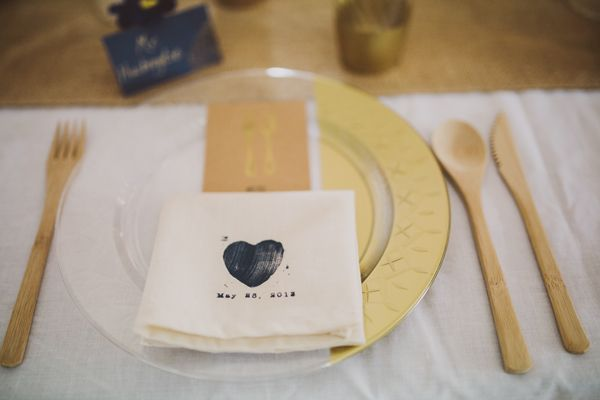 I made these gilded disposable plates for a fancy but easy-to-clean wedding DIY! It was a complete makeover of boring plastic plates and easy to do!