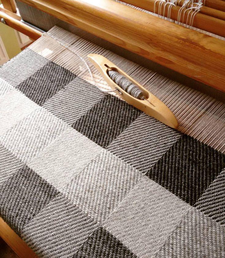 Only natural wool colours. This is awesome! Tylko naturalne kolory wełny. Genialne! #wool #choosewool #lovewool #wooladdict #weaving #handweaving #workinprogress #wełna #welna #tkanie #robota by handwovenbyalicja