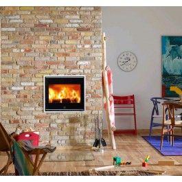 De #Scan 1001 is een moderne inbouwkachel en ontworpen door een Deens designbureau. Aandacht voor esthetiek en innovatie, in combinatie met functionaliteit, hebben geleid tot het vrouwelijke ontwerp van de Scan 1001. Deze inbouwkachel beschikt over een innovatieve glazen handgreep en zijn daarmee uniek op de markt. #Fireplace #Fireplaces