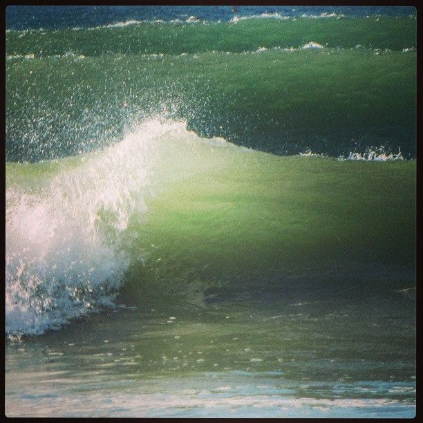 Awesome waves at #longbeach #capetown by girl_with_cam