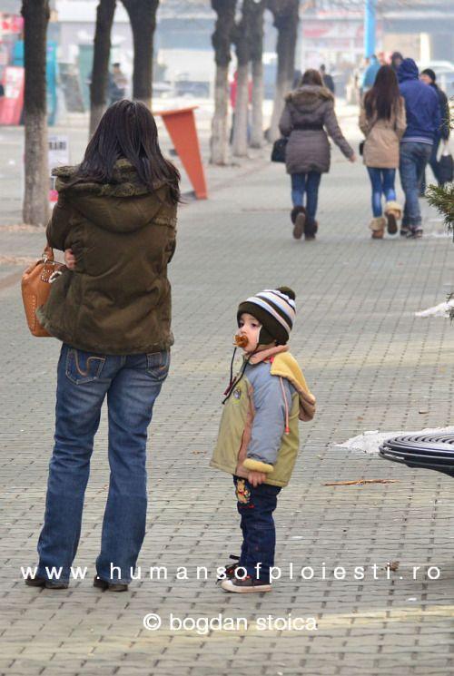 """""""Dumnezeu nu putea fi peste tot, de aceea a creat mamele.""""  people, stories & photos - www.humansofploiesti.ro"""