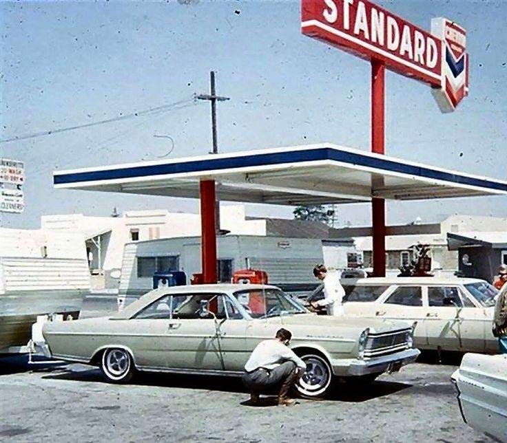 Standard Oil Filling Station 1960 S Vintage Gas Stations Pinterest
