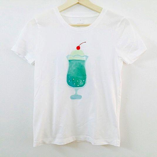 Hand-painted adult T-shirt cream soda