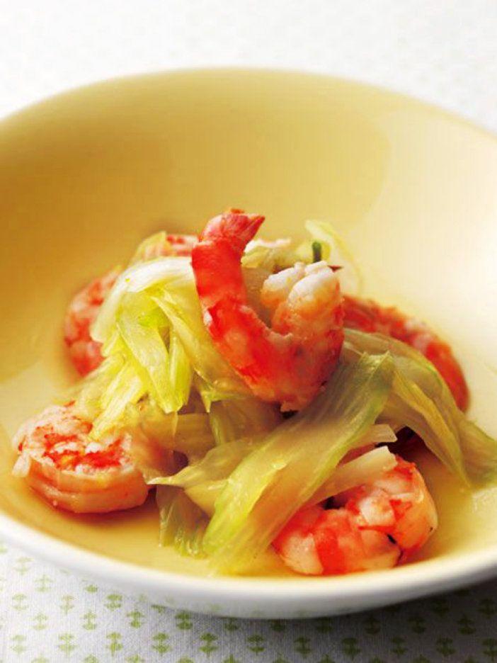 切って混ぜて加熱するだけで、海老の風味豊かなひと皿に|『ELLE a table』はおしゃれで簡単なレシピが満載!