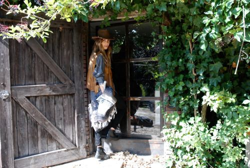 shed cowgirl peacfulranch mexicanblanked