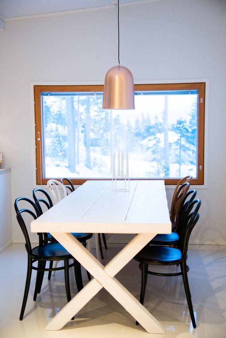 Simple Copper pendant lamp  in scandinavian kitchen