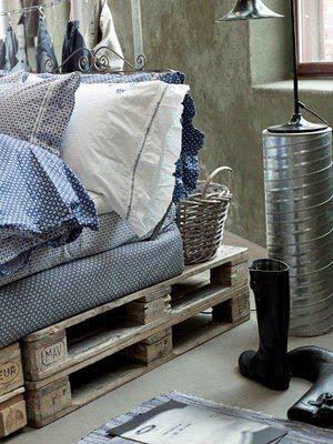 pallet bed : Idea, Guest Bedrooms, Pallets Beds Frames, Pallets Furniture, Wooden Pallets, Ships Pallets, Platform Beds, Guest Rooms, Wood Pallets