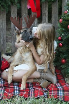 Christmas photos with your puppy-wonder if my dogs would let me do this! haha – More at http://www.GlobeTransformer.org