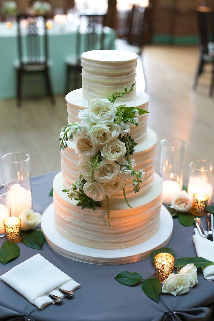 Photography: Slack Photography Floral Design: Vale of Enna Chicago Wedding