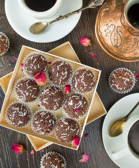 Бригадейро - домашние бразильские конфеты | Десерты | Рецепты | ONLINE.UA