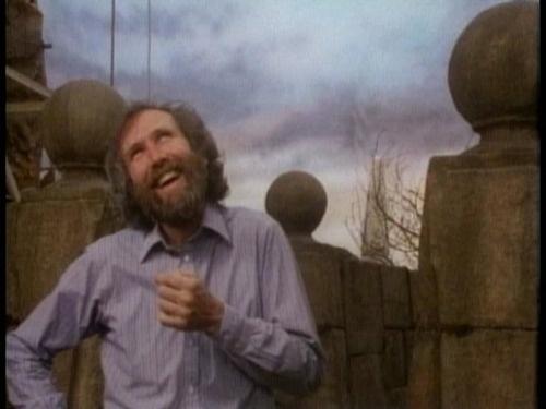 Jim Henson on the Labyrinth set