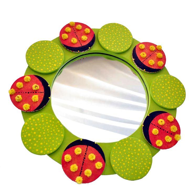 Berušky - zrcadlo pro děti Zrcadlo je vyrobenaz bukové překližky o síle 5 a 10 mm a zrcadlem o síle 4 mm. Samotné zrcadlo je opatřeno bezpečnostní folií, která jej při rozbití udrží pohromadě.Design zrcadla Berušky je zcela originální a je zpracován dle našeho grafického návrhu. Zrcadlo je určené k zavěšení na zeď do dětského pokoje, opatřeno očkem. ...