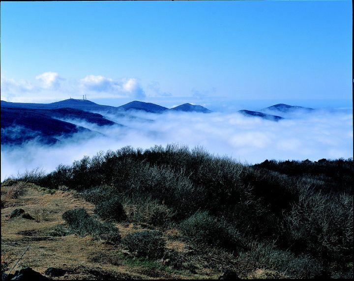 1. 설악산 - 공룡능선  2. 덕유산 - 향적봉 상고대  3. 한라산 - 백록담  4. 지리산 - 뱀사골 계곡  5. 월출산 - 천황봉에서 바라본 영암평야  6. 북한산 - 백운대와 인수봉  7. 한려해상 - 미륵산에서 바라본 한려수도  8. 설악산 - 천불동계곡  9. 한라산 - 산철쭉군락과 화구벽  10. 지리산 - 노고단 운해  11. 설악산 - 용아장성  12. 다도해 - 보길도 세연정  13. 월출산 - 천황봉  14. 한라산 - 한라산의 구상나무 설경..