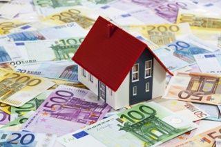 Huis kopen met eigen geld: extra spaargeld inzetten voor de koop van een woning? Dit zijn de voor- en nadelen. http://blog.eyeopen.nl/huis-kopen/huis-kopen-met-eigen-geld-voor-en-nadelen