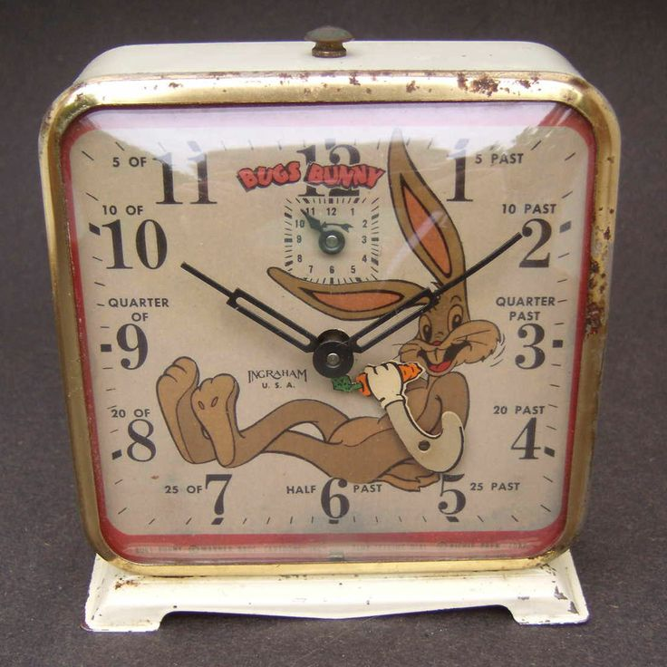 Vintage Animated Bugs Bunny Wind Up Alarm Clock Made In