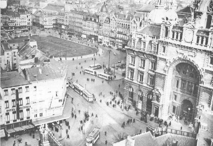 Koningin Astridplein 1929. De foto is gemaakt vanop het Century Hotel dat toen in opbouw was.