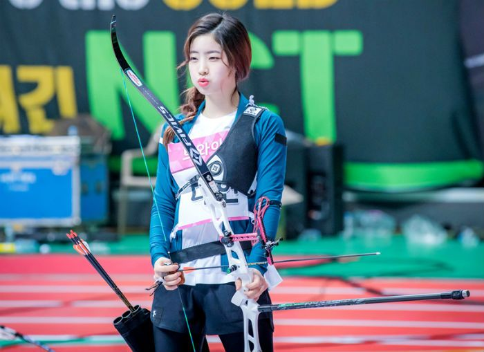 [2018アイドル・スポーツ選手権] アーチェリー競技の写真が公開 - Twice、Red Velvet、おまごる、ググダン、Gfriend - デバク