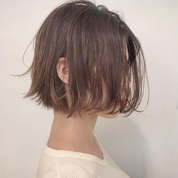 安藤圭哉 SHIMA PLUS1 stylistさんはInstagramを利用しています:「#切りっぱなしボブ ✂︎ . パツっとしたラインだけど軽さもだしたヘアデザイン☝️ . . 得意のスタイルです . . #shima #切りっぱなしボブ #切りっぱなし #くせ毛風パーマ #外国人風 #ボブ #ショートボブ #ヴィンテージファッション #古着 #apc…」