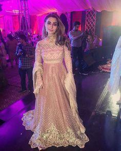Taiba Malik spotted wearing Faraz Manan at #MahaUmer Mehndi in Faislabad last night ✨ @taibamalik @farazmanan #TEdit #TEditReports#Fashion #Lifestyle #Magazine #Karachi #Lahore #Islamabad #Pakistan #Style #Trends #TEditFinds #Love #Like #Tag