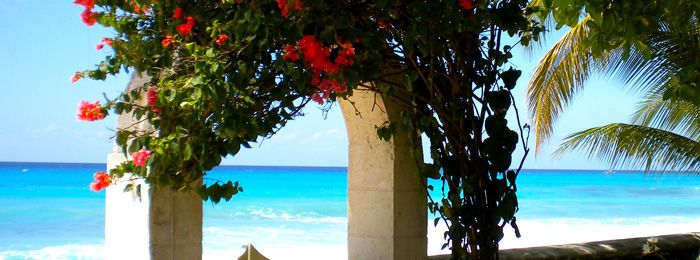 Looking for a Beach Villa in St James Barbados? Rent our stunning villa in Barbados direct from owner #beachfront_villa_barbados