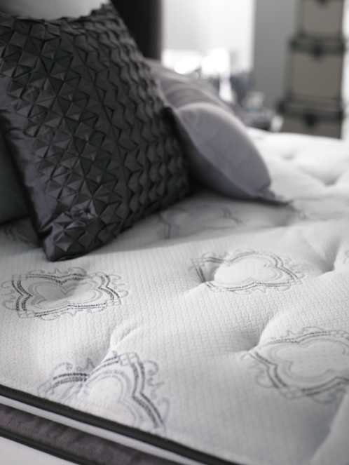 beautyrest black from the sumptuous fabrics and stylish details to the legendary beautyrest recharge simmons