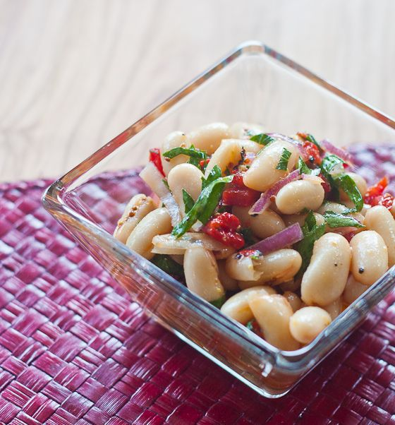 White Bean Roasted Red Pepper Salad via @ErinsFoodFilesWhite Beans, Peppers Salad, Healthy Recipesfood, Belle Peppers, Beans Salad, Beans Roasted, Mr. Beans, Roasted Red Peppers, Recipe Beans