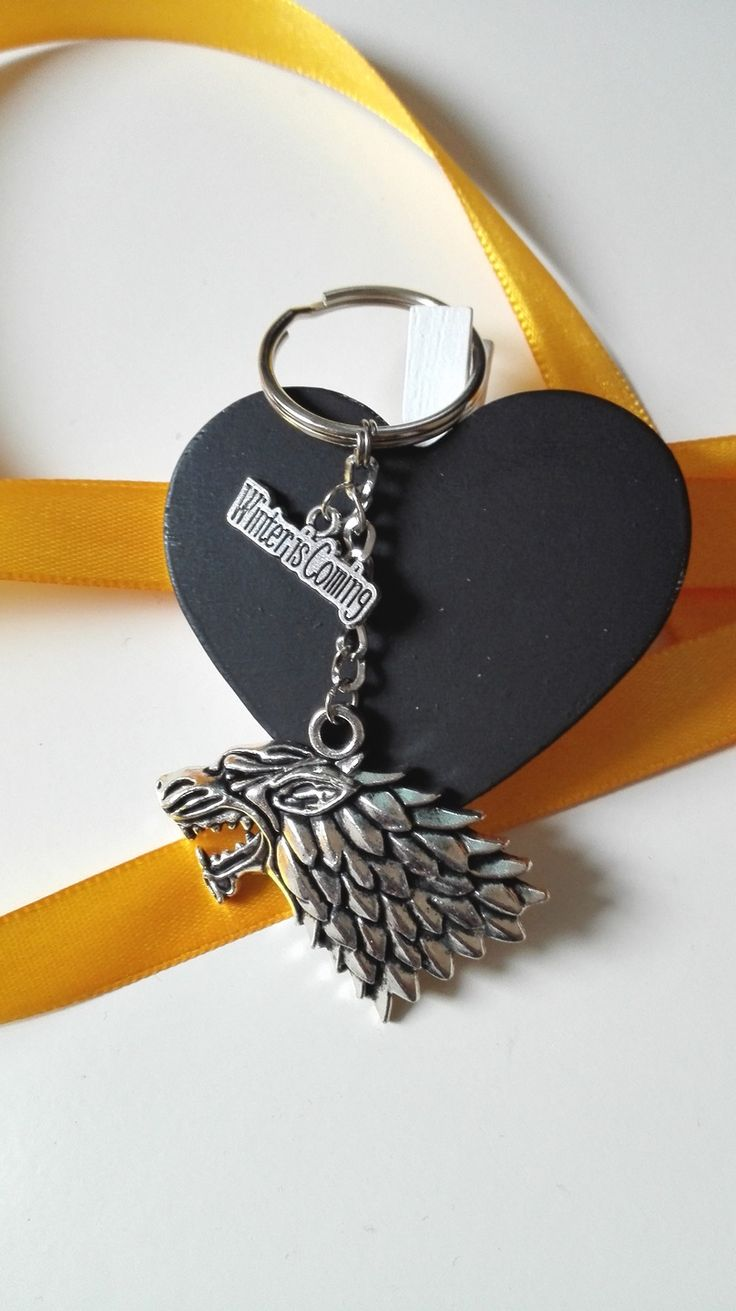 Porte clés Game Of Thrones Stark Winter Is Coming argenté féérique : Porte clés par miss-perles