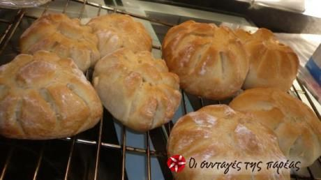 Εύκολα και τραγανά ψωμάκια