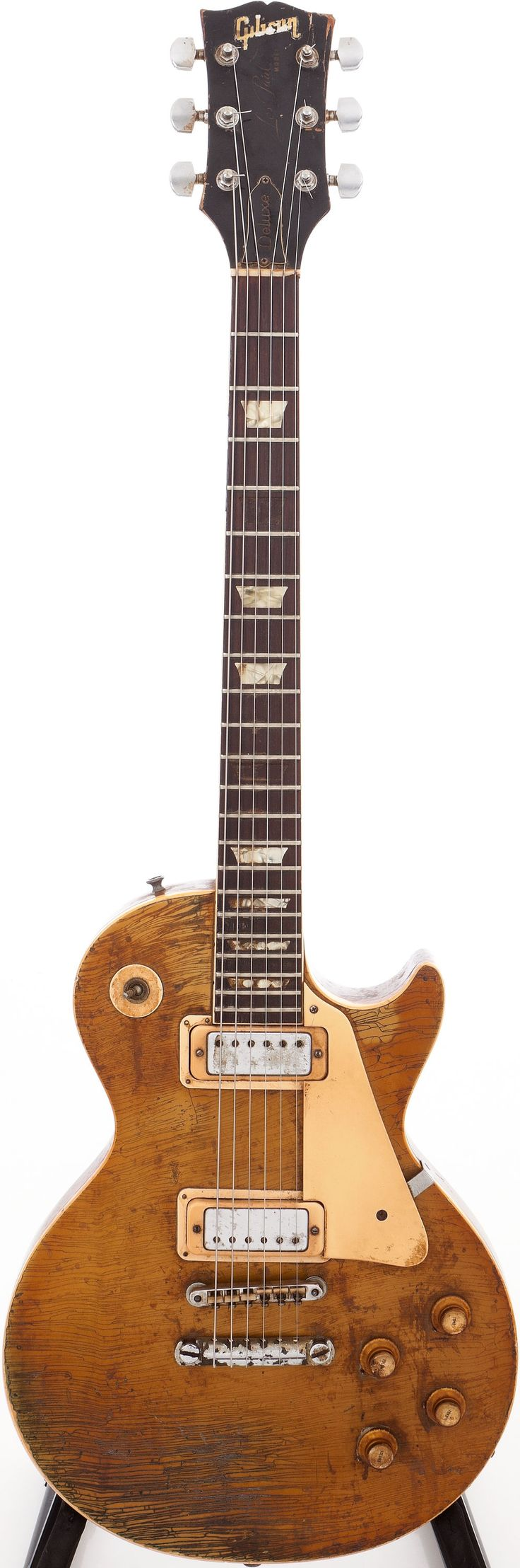 '69 Les Paul Goldtop – I am usually no fan of Goldtops, but this worn down one, wow!