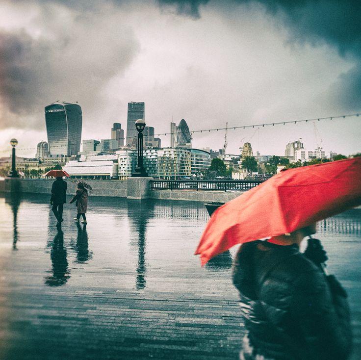 Photography | Alexandre Arnaoudov | The Red Umbrella