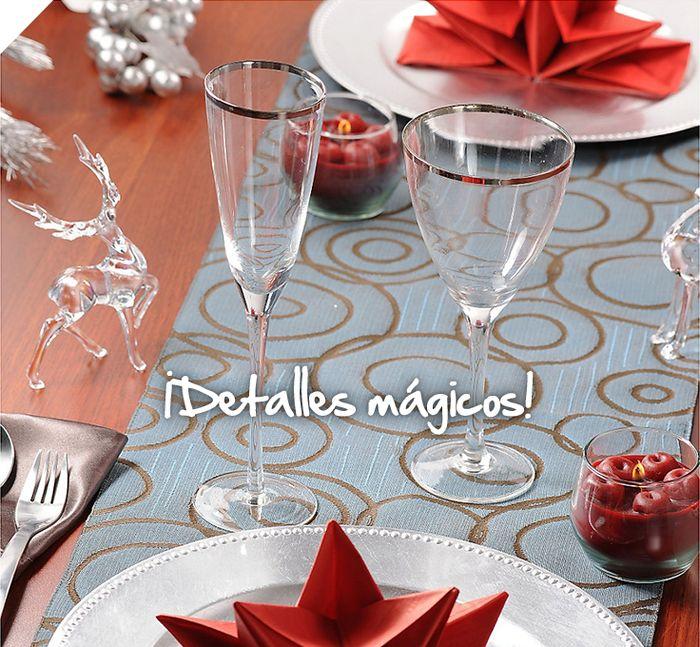 La cena de Navidad es perfecta para disfrutar todos reunidos en familia. Hazla inolvidable con estas copas con bordes de plata y que los detalles sean mágicos. #Sodimac #Homecenter