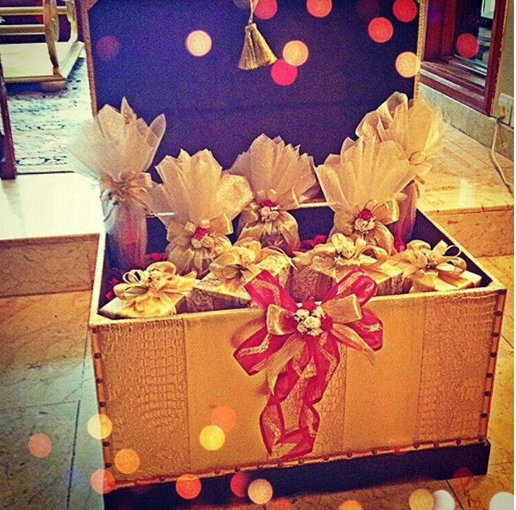 Bouvardia Perfumes  #proposal #engagement #arab #gulf #unitedarabemirates #uae #dubai #abudhabi #q8 #qatar #oman #kuwait #saudi #saudiarabia #ksa #afrah #zaffah #dazzah #daza #wedding #luxuryflowers #floralarrangements #bride #bridal #gifts