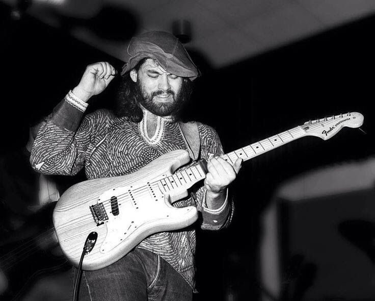 28th June 1979, American singer-songwriter, multi-instrumentalist and producer, Lowell George died of a heart attack. The Little Feat front man was found dead at the Key Bridge Marriott Hotel in Arlington, Virginia. George joined Zappa's Mothers of Invention as rhythm guitarist in 1968, played guitar on John Cale's 1973 album Paris 1919, Harry Nilsson's Son of Schmilsson album and Jackson Browne's The Pretender.