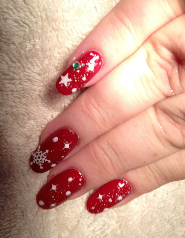 Red Christmas Nails with snowflakes.