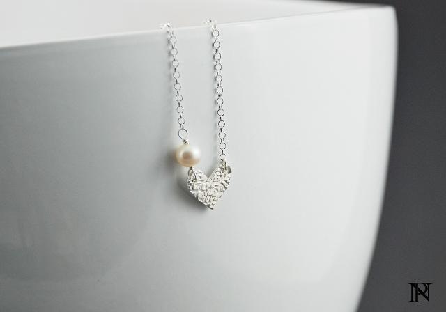 Pearl n heart sideways pendant necklace